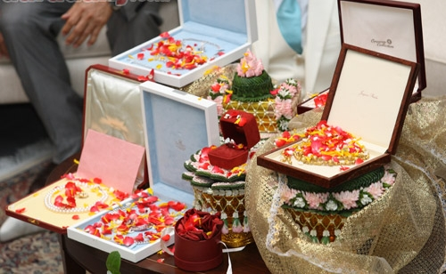 Typical Wedding Gift Amount: Thai Traditional Wedding Ceremony