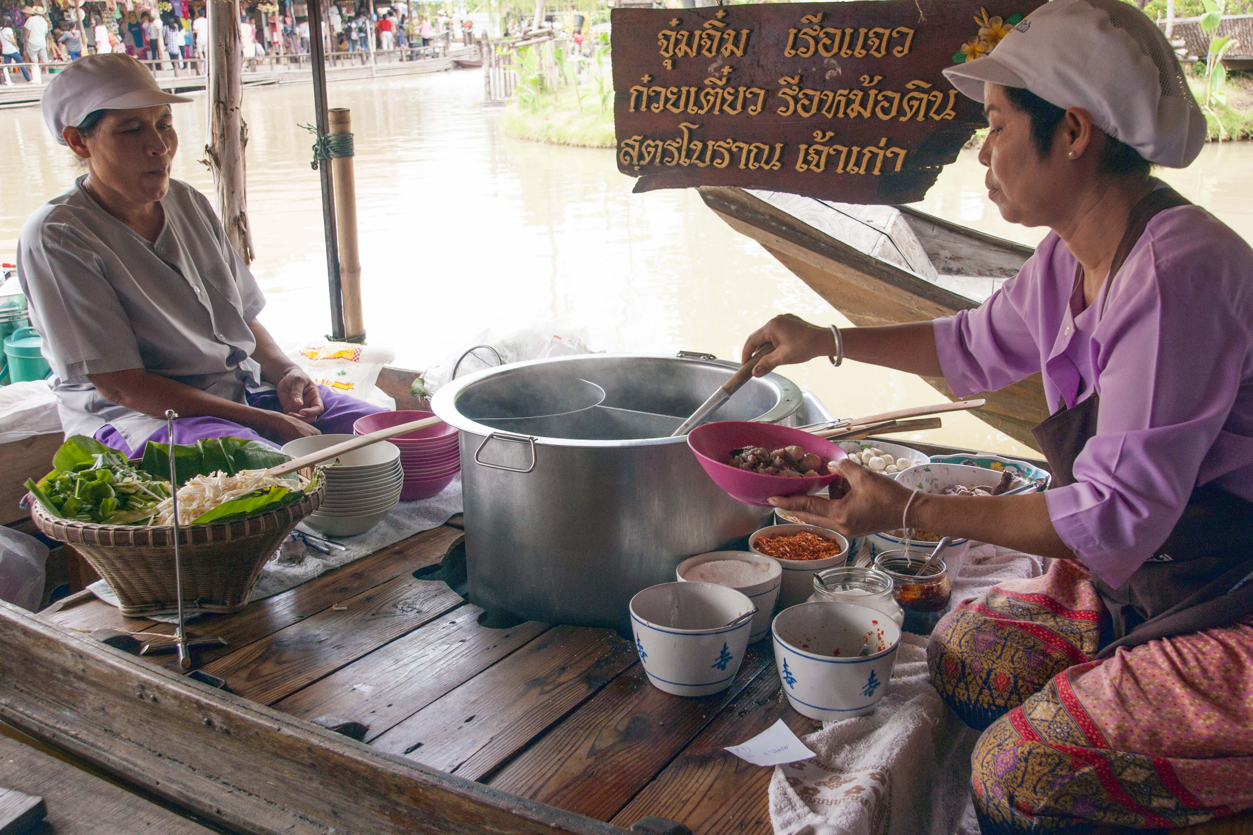 Ayothaya floating market learn thai with mod for Ayothaya thai cuisine